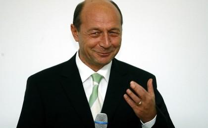 Presedintele Romaniei, Traian Basescu, tine un discurs la invitatia docotranzilor facultatii de filosofie. Foto: Octav Ganea/Gandul.