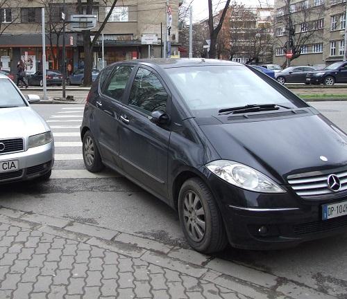 parcare pe trecere