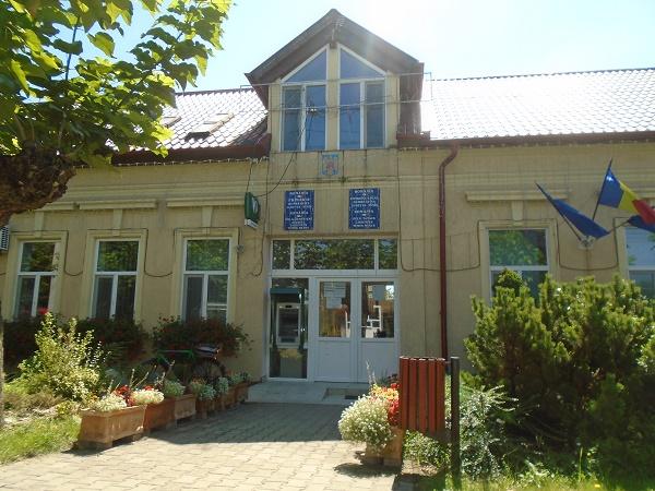 Primăria Dumbrăvița beneficiază de o conducere super-calificată