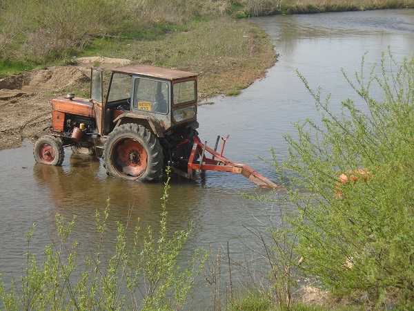 poluarea surselor de apa