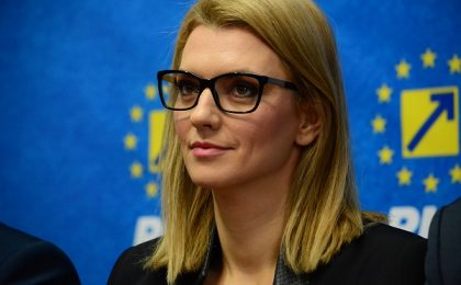 """Alina Gorghiu, senator PNL de Timiș, îi compară pe cei de la USR PLUS cu niște """"copii răsfățați"""": """"Tonul se va tempera pe măsură ce vor analiza situația și am să vă spun de ce"""""""