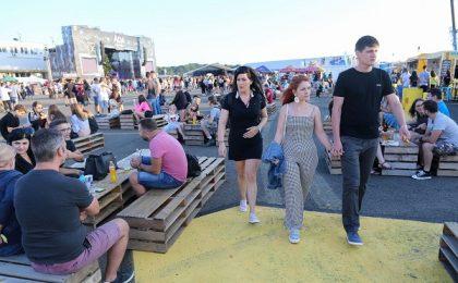 Un experiment privind pandemia va fi realizat în urma unui festival muzical organizat în vestul ţării