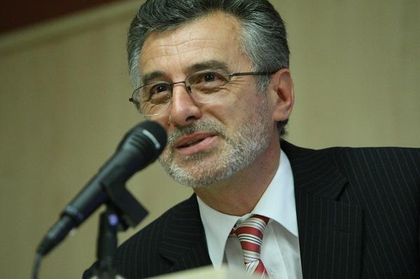 Victor Neumann, directorul Muzeului de Artă Timișoara, iese la atac