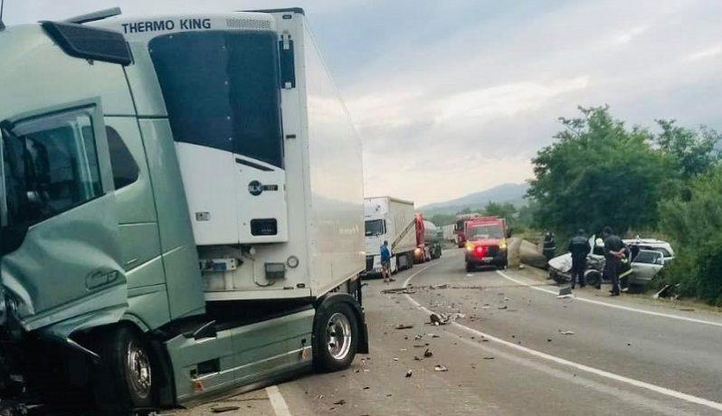 Accident grav pe DN 6, trafic dat peste cap