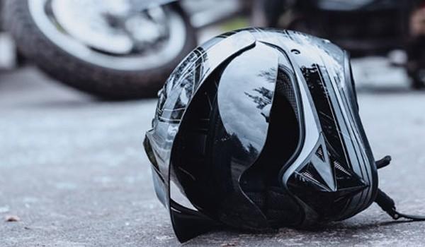 Un tânăr motociclist a murit într-un accident în vestul țării