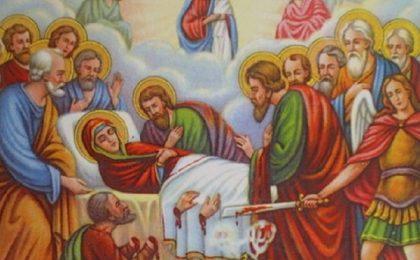 Praznicul Adormirii Maicii Domnului. Tradiţii de Sfânta Marie Mare