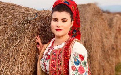 """Interpreta de muzică populară Alessandra Maria Lazăr: """"Vreau să mă construiesc temeinic!"""""""