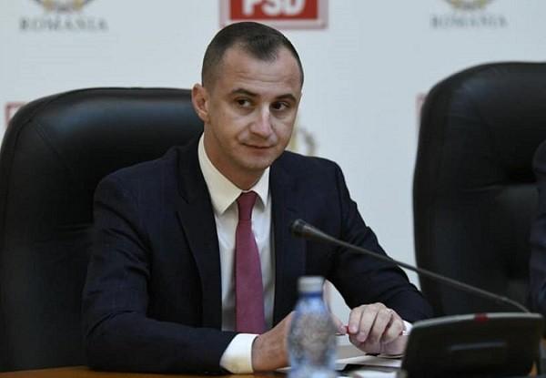 """Alfred Simonis: """"Tot guvernul trebuie să plece. Urgent! Acum!"""""""