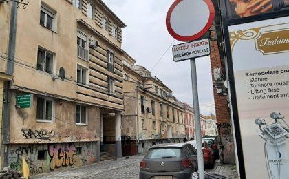 Se întâmplă în Timișoara! Și cu abonament plătit, și fără loc de parcare, și amendați. Judecătoria a anulat procesul-verbal de amendă