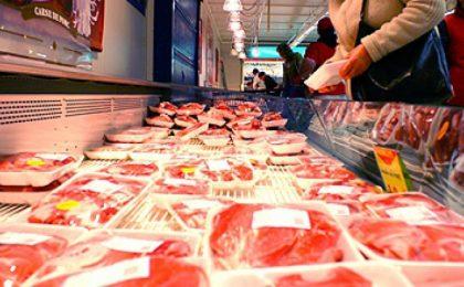 Importurile de carne, aproape de 5 ori mai mari decât exporturile