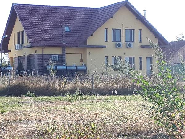 Aparatele de aer condiționat dăruite de Comar Grand Extreme asigură un confort sporit în casa de vacanță a familiei din satul Șoșdea