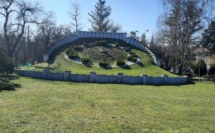 """Ceasul floral, un simbol care ar trebui să dea """"trezirea"""" administrației Timişoarei"""