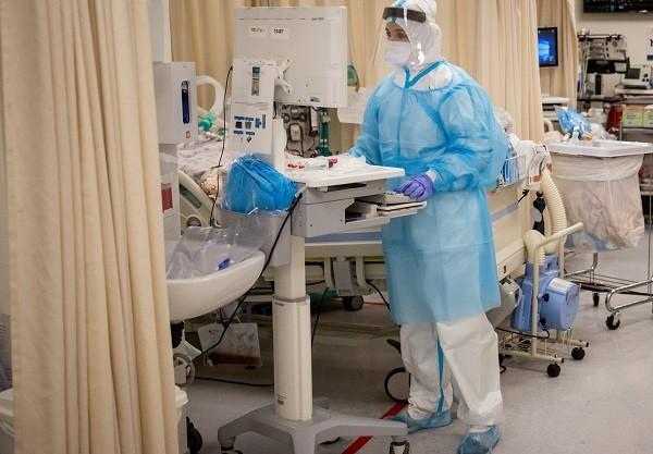 Un prim pacient COVID din Timișoara, transferat în Ungaria