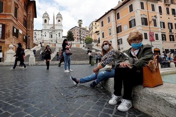 Permisul de sănătate devine obligatoriu de azi în Italia