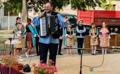 """De """"Dvete Nedeli"""", bulgarii din Dudeştii Vechi s-au distrat pe cinste / Foto"""