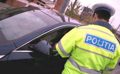 Un șofer băut și fără permis a fost prins de polițiști