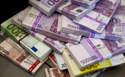 Cea mai mare tranzacţie făcută de o companie românească peste hotare în acest an