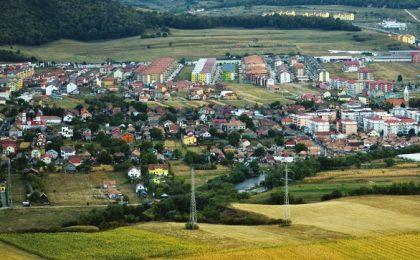 Localitatea cu cea mai tânără și educată populație din România. Este o comună