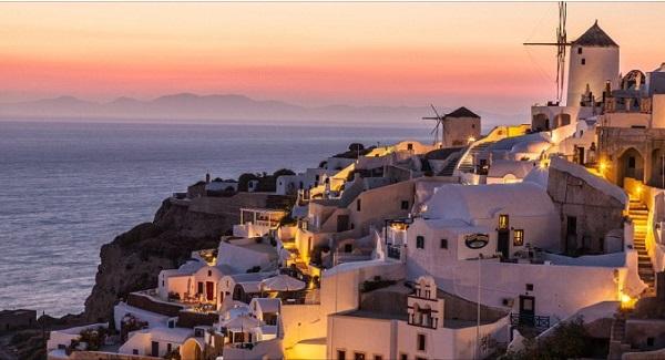 Noua listă a țărilor cu risc epidemiologic ridicat a fost aprobată. Grecia rămâne în zona roşie.