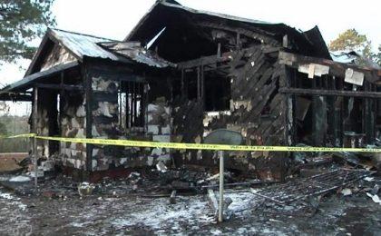 Şase copii și mama lor au murit într-un incendiu care le-a distrus casa