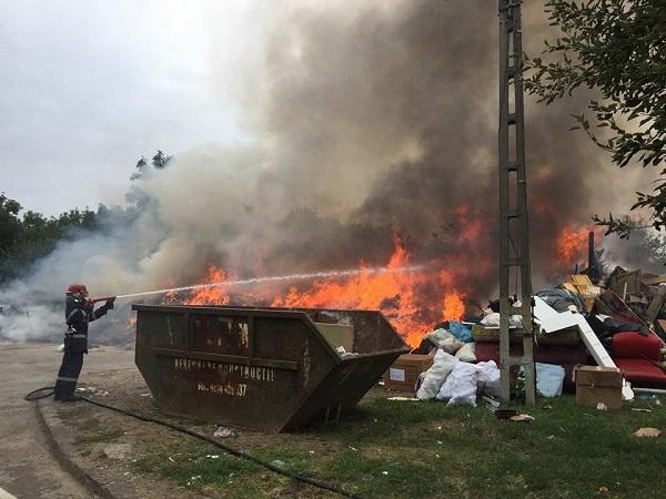 incendiu torontalului1 Incendiu pe Calea Torontalului