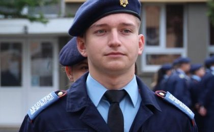 Tineri cu care de mândrim: Iulian, din Giroc, a fost admis fără concurs la Academia Forţelor Terestre, ca urmare a rezultatelor din perioada studiilor liceale