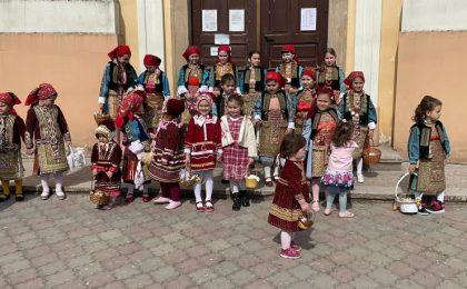 Bulgarii bănăţeni îşi păstrează cu sfinţenie tradiţiile pascale