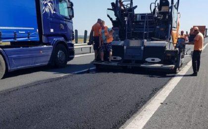 Lucrări pe autostrada A1: traficul este direcţionat pe o singură bandă