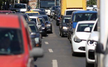 Lovitură pentru șoferii români care au mașini mai vechi de 15 ani. Anunțul a fost făcut oficial