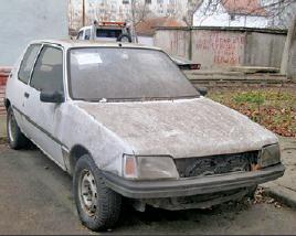 Continuă acțiunile de ridicare a autovehiculelor abandonate