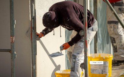 Scumpirea materialelor de construcții crește prețurile locuințelor din Timișoara