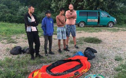 Incident pe Dunăre. Patru migranți în pericol de înec, salvați de polițiștii de frontieră