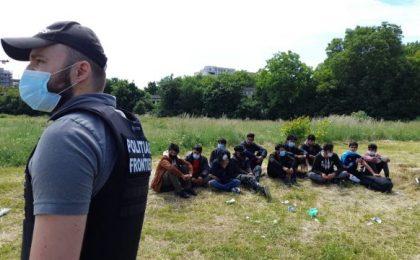 Peste 30 de migranți, aflați ilegal în Timişoara, au fost prinși