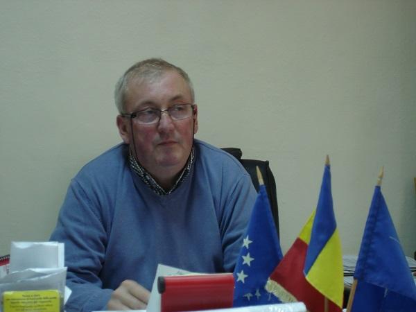 Primarul Mihai Petricaș