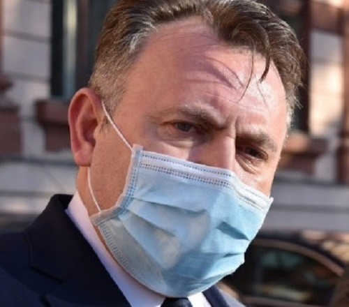 Tătaru îi va propune lui Cîțu vaccinarea obligatorie pentru anumite categorii de persoane