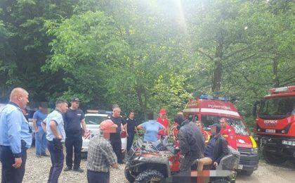 Mașină de la un concurs de off road, luată de viitură în Slănic Moldova. Pilotul a decedat