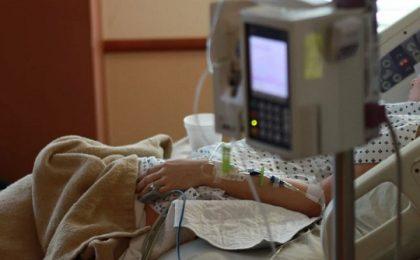 O asistentă din Lugoj a fost rănită în timp ce participa la o operație