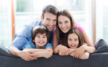 Prevederea care acordă părinților zile libere plătite de stat pentru a sta acasă în perioada în care școlile sunt închise, prelungită până în 30 iunie