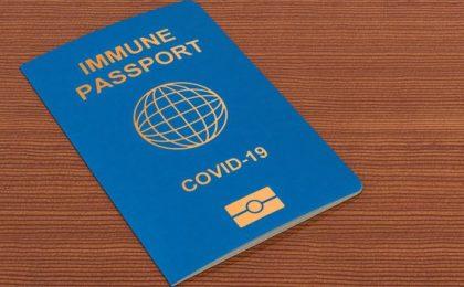 Au fost emise primele pașapoarte de vaccinare, destinate facilitării călătoriilor persoanelor imunizate împotriva Covid-19