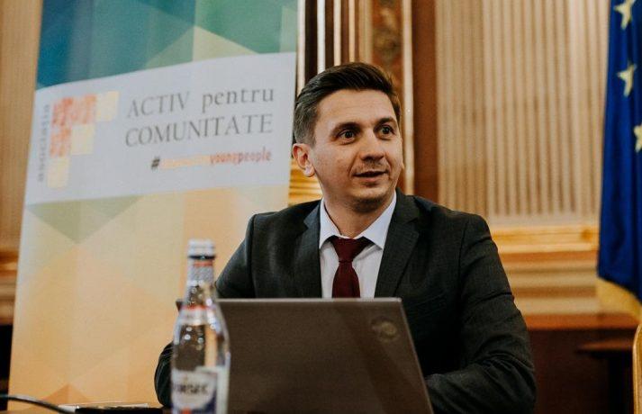 Ipocrizie academică: un ambasador al Universității de Vest Timişoara a fost călcat în picioare după ce a primit diplome de onoare