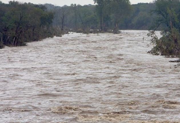 Cod portocaliu de inundaţii! 11 judeţe vizate, între care Timiş, Arad, Caraş-Severin şi Hunedoara