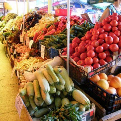 Piețe din vestul țării, redeschise de autorități