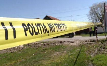 Un bărbat a fost lăsat să moară pe marginea drumului. Șoferul care l-a lovit cu mașina a fugit