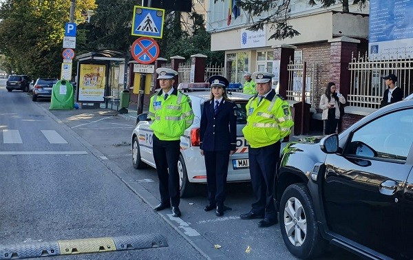 Video. Sute de polițiști au asigurat, alături de jandarmi, ordinea în jurul școlilor din Timișoara