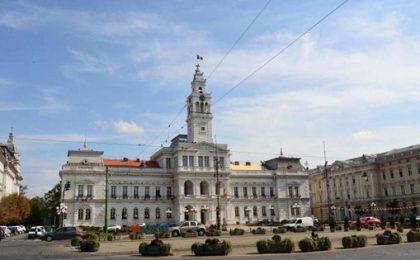 Primăria Arad taie 360 de posturi: Primarul PNL spune că va face o economie anuală de 10 milioane lei