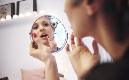 Româncele alocă mai mulți bani pentru produse cosmetice de calitate, după pandemie