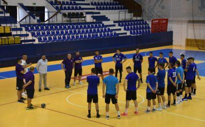 Echipa de handbal masculin SCM Politehnica Timișoara s-a reunit pentru noul sezon. Lotul a fost întinerit masiv