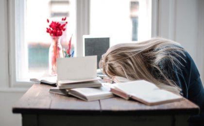 Mâine mergem la școală sau facem ore online? Ultima decizie a ministrului educației i-a zăpăcit pe toți