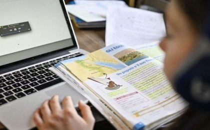 Preșcolarii și elevii din Timișoara, Dumbrăvița, Giroc, Ghiroda și Moșnița Nouă, încă o zi în sistem online, apoi în vacanță