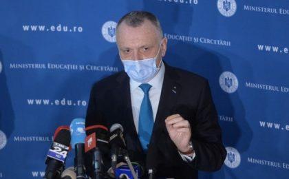 """Ministrul Educației: """"Cazurile de infectare raportate acum nu sunt generate de școală"""" / """"Nu susţin vaccinarea obligatorie a profesorilor"""""""
